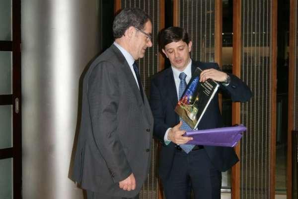 González Ortiz difon entre empresaris catalans els avantatges fiscals del nou REF